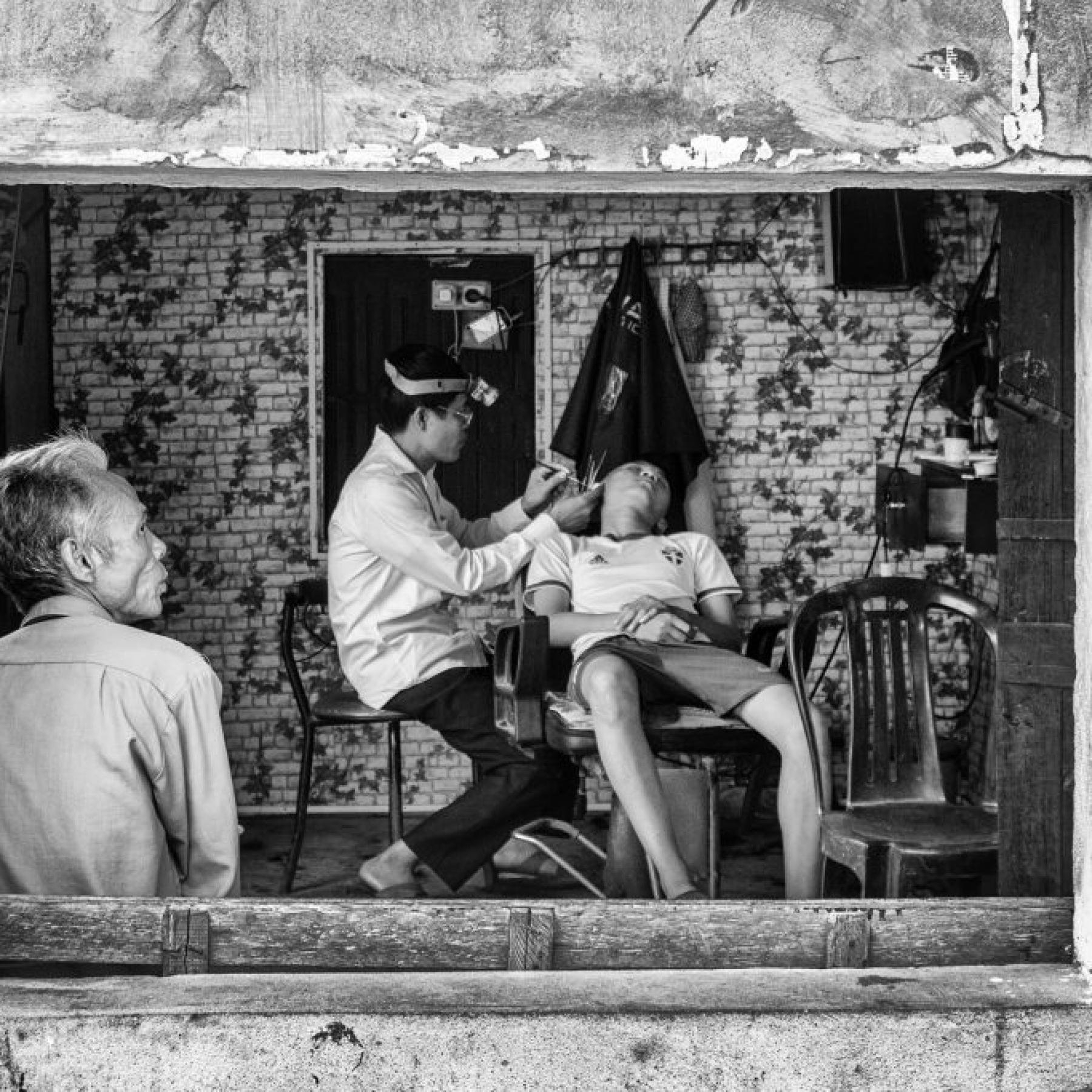 THE HAIRDRESSER – VIETNAM